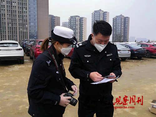 青岛崂山交警助力企业复工上门办理挂牌业务